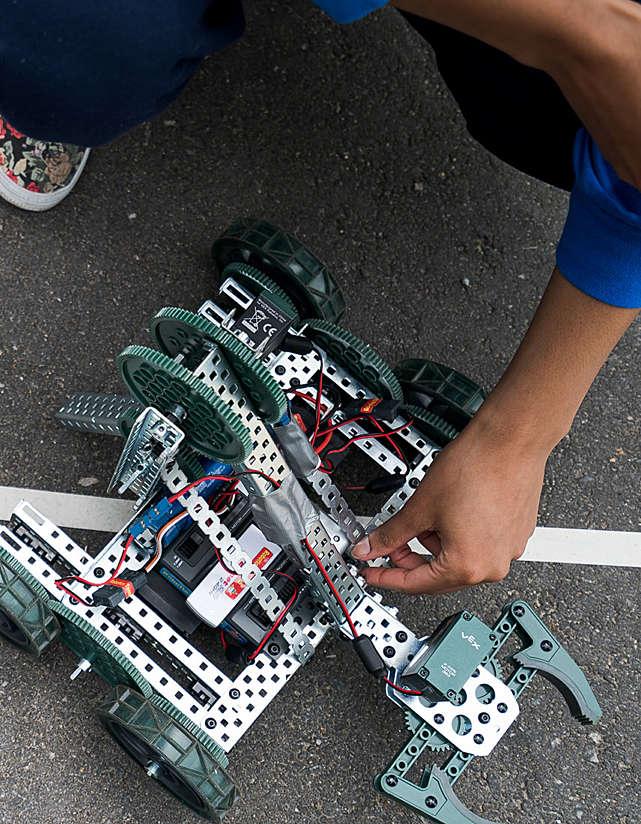 Ethi{CS} and Robotics