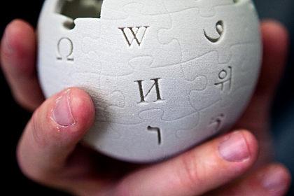 Wikipedia and democracy